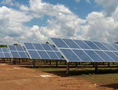 Tre campi fotovoltaici da 999 kwp